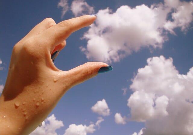 Cloud-hand
